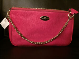 Coach Purse - NEW - Pink Pebbled Leather Large Wristlet
