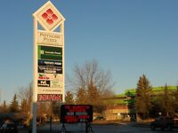 SUBLEASE : Optimal ANCHOR/END unit, Strip Mall Primrose Plaza