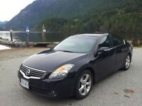 2009 Nissan Altima Sedan Black on Black leather 3.5 SE