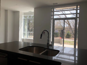 TOWNHOUSE CONDO FOR LEASE: 2 bed + 2 Bath + Parking + Locker