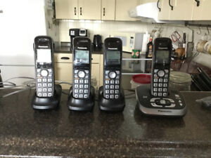 Panasonic phone with 3 cordless handsets