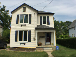 3 Bedroom Downtown Grimsby avail. Oct 1st. Utilities incl.