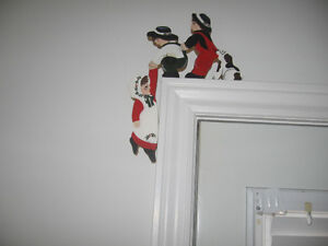WOODEN HAND PAINTED OVER THE DOOR FRAME DECORATION