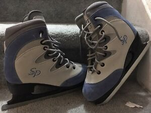 Size 5 CCM skates! Kitchener / Waterloo Kitchener Area image 1