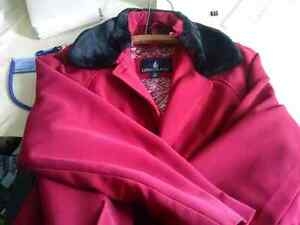 Classy London Fog ladies coat size 14 (very dressy and warm) wit