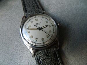 BEAUTIFUL RARE VINTAGE UNIVERSAL GENEVE MILITARY MEN'S WATCH