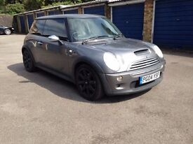 mini cooper s 2004 full one year MOT clean in and out drivers perfect 2 new Tyre gray color