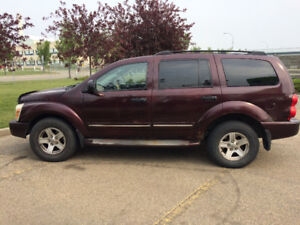 2004 DODGE DURANGO LIMITED 4x4 LEATHER/ROOF/TV/DVD/R-STARTER
