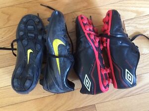 Youth soccer shoes