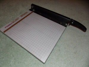Guillotine Paper Cutter For Sale