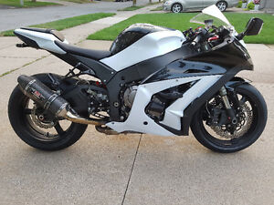 ZX-10R - 2013 - Mint!  $12,000   ** Not For Beginners**