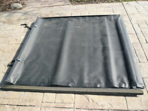Dodge Dakota tonneau cover
