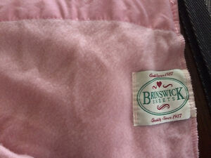 Brunswick health sheets for crib/toddler bed