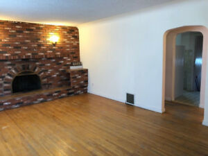 **FIRST MONTH FREE RENT - DOWNTOWN HOME FOR RENT**