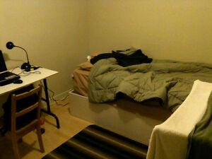 Très belle chambre, à 50m de l'université de Trois-rivières