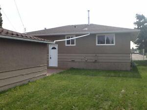 GORGEOUS COMPLETELY RENOVATED MAIN LEVEL SUITE, WITH DOUBLE GARA Edmonton Edmonton Area image 3