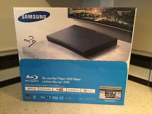 BRAND NEW SAMSUNG BLU RAY PLAYER