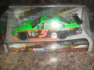 1/24 scale 2010 Winner Circle #5 Mark Martin Godaddy.com NEW