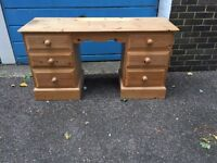 Fantastic pine dresser with 6 drawers