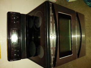 Frigidaire Electric Oven.