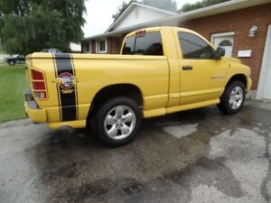 04 Ram 1500 4 x 4 Rumble Bee
