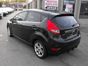 2011 FIESTA SES  HATCH  LEATHER  SUNROOF  LOADED  NO ACCIDENTS.. Windsor Region Ontario image 5