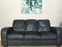 Leather suite 3,2,1