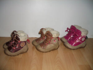 OLANG   winter boots   ----  size  21 / 22  and  23 /  24