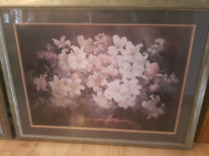 Large Flower Print in Frame - Excellent Condition