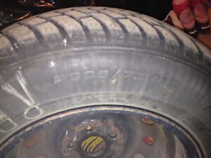 4 winter tires and rims $350 --- 205/70 R15 GoodYear Ultra Grip West Island Greater Montréal image 1