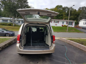 2013 dodge grand caravan low km