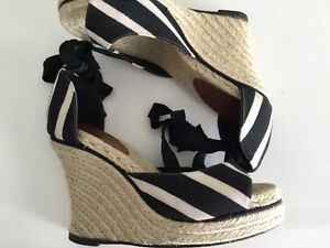 KATE SPADE WEDGE SANDALS SIZE 7