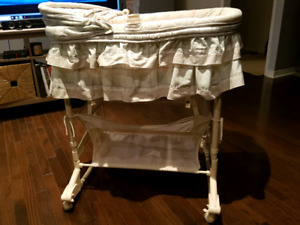 Excellent condition baby bassinet for sale