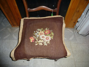 ANTIQUE MAHOGANY SIDE CHAIR-NEEDS TO BE RE-UPHOLSTERED-NEW PRICE Kingston Kingston Area image 3