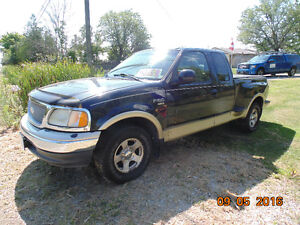 1999 Ford F-150 SuperCrew Lariet Pickup Truck
