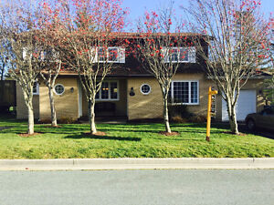 REDUCED - Beautiful 2-apt home in Airport Heights