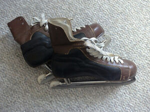 Vintage ice skates (negotiable, need to go before the 10th)