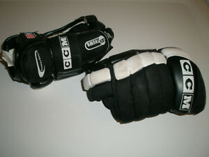 "CCM 52 HOCKEY GLOVES YOUTH SMALL SIZE 10"" or  25.5 cm"