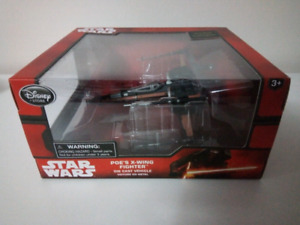 Star Wars The Force Awakens Disney Store Die Cast Poe's X-Wing