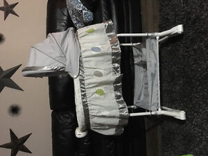 Like new Bily Bassinet Elephant edition