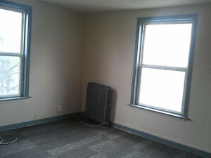 Fully renovated suite close to HSC, Bus ALL UTILITIES Includ