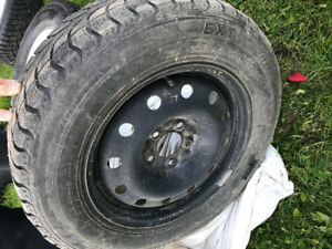 Rim et pneu a clou