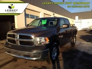 2018 Ram 1500 SXT CREW CAB SUPER LOW KM ONE OWNER MUST SEE!