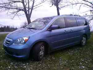 Very clean well maintained 2007 Honda ODYSSEY leather, res