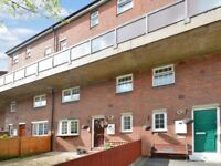 3 bedroom flat in Parnell Road, Bow E3