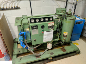 Sullair ES 25hp rotary compressor