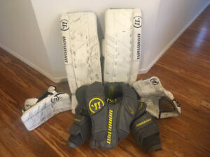 "Warrior G3 goalie set (pads 32"", glove SR, blocker SR, chest)"