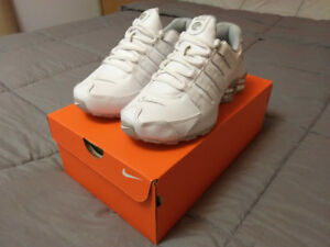NEW Nike Shox Running Shoes Size 6.5 Women