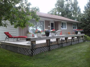 WINNIPEG BEACH 3 BDRM 4 Season House for rent