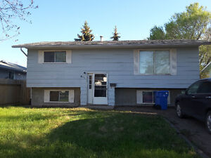 House close to schools - realtor welcome @1%